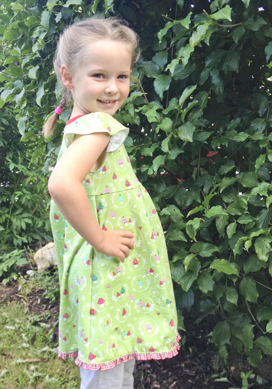Tante Emas® Kinder-Kleidchen mit Flügelärmeln